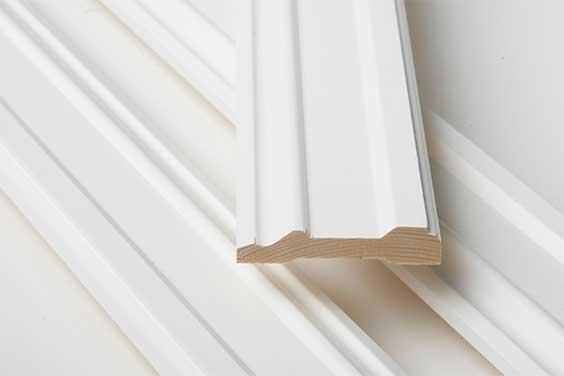Hvorfor velge precut når du kjøper listverk og utforinger til dører og vinduer?