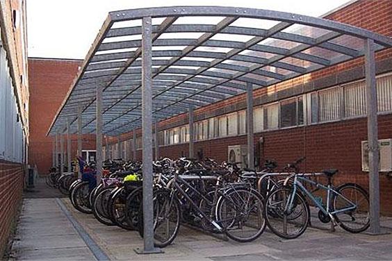 Marshalls J Serie takoverbygg for sykkelparkering
