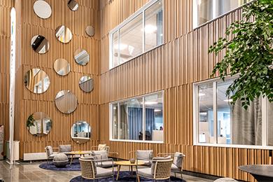 Ribbpaneler i nytt och modernt kontor