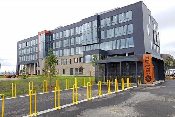 Sykkelhotell Square Plus ferdig installert i Steinkjer.